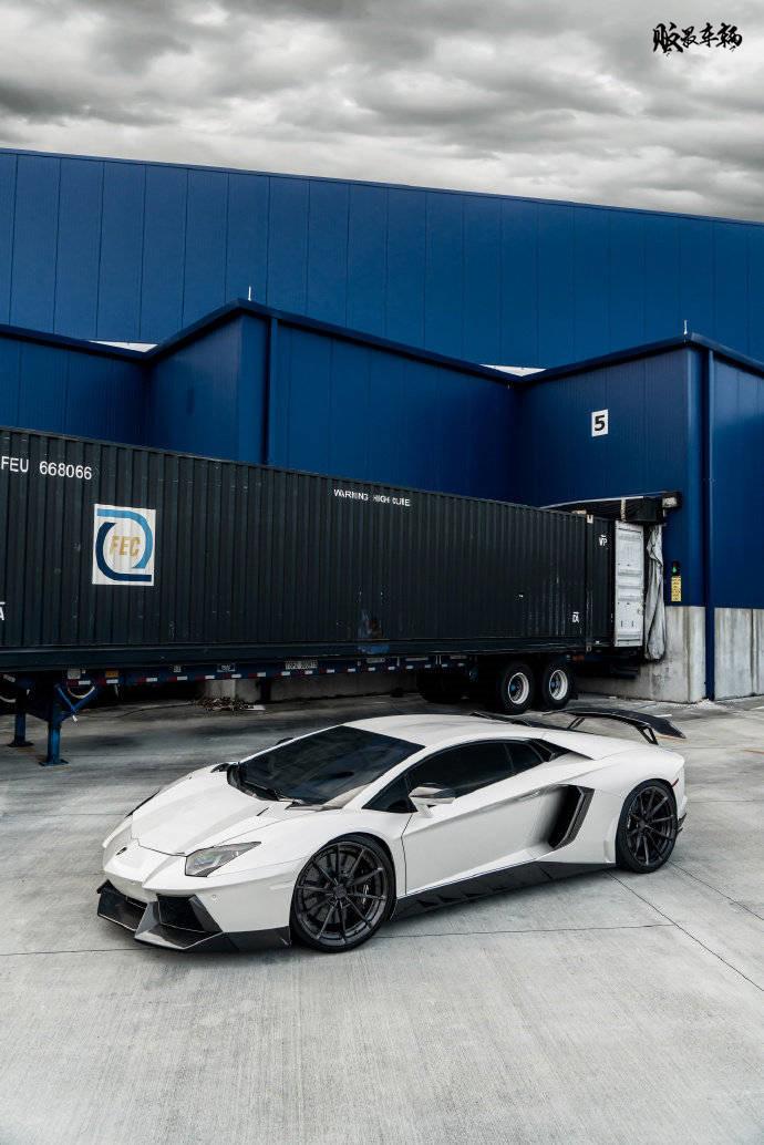 Lamborghini Aventador,颜值始终在线!