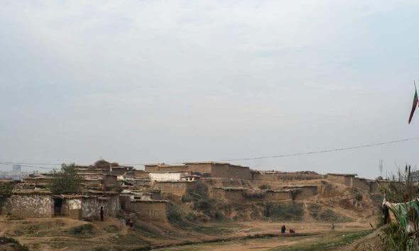 中国跟阿富汗接壤90公里,为何不修公路互通,或许和你想的不同