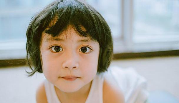 """孩子从小要养成好习惯,否则""""破窗效应""""影响一生,家长正确引导"""
