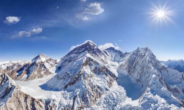 世界上最高的四座山峰,珠峰首当其冲,马卡鲁峰鲜有人知
