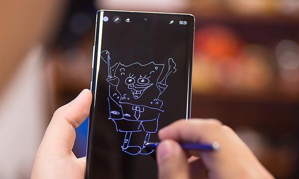 三星Note20系列或提档至7月 首发搭载屏下摄像头技术