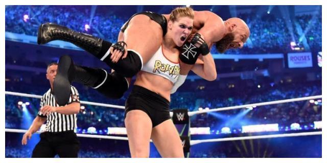 十字固女王隆达·罗西在WWE官网的选手状态发生改变!