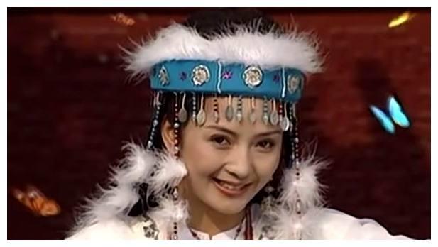 与蝴蝶嬉戏的古装女星,刘诗诗唯美,最经典的竟不是刘丹?
