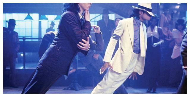 迈克尔杰克逊曾经一句话打脸日本记者,感动了无数中国人