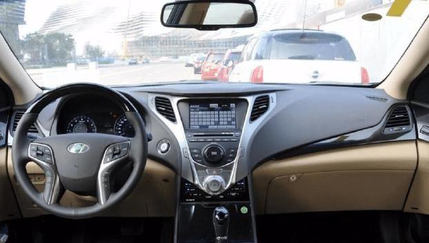 在国内混得最差的豪车,配V6+可变悬架,仅凯美瑞的价格,没人要