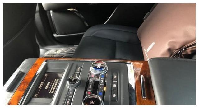终于不用考虑宝马5系了,这车和奔驰E级一样气派,仅36万