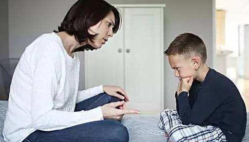 一烦躁就冲娃发火,对孩子不仅仅是伤害,以下几点值得深思!