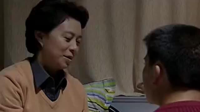任长霞:毛毛看妈妈生病太担心,任长霞看到孩子摔伤,心疼不已