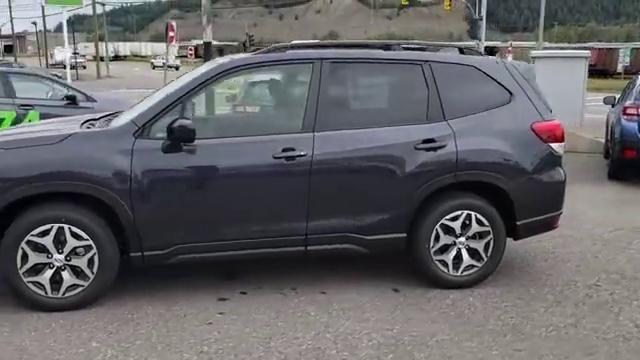 视频:订购的2019款斯巴鲁森林人到货,近距离看到实车,才知道啥叫改变