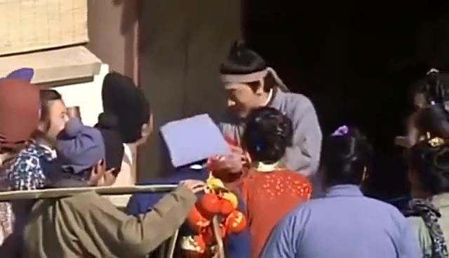 男子炫耀菩萨赐给他一个女儿,算命先生却说:此女大灾大难之星