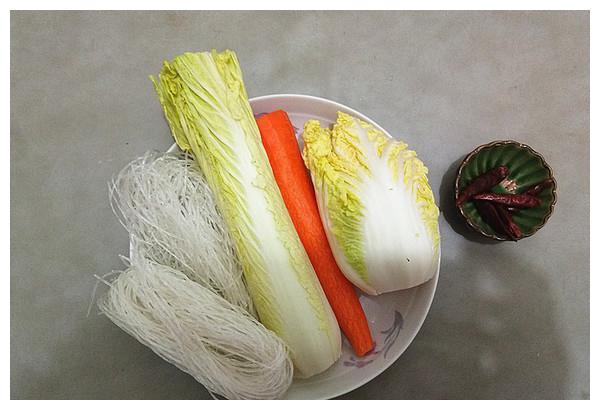 每日一菜谱:粉丝拌白菜心它们会擦出什么味的火花呢