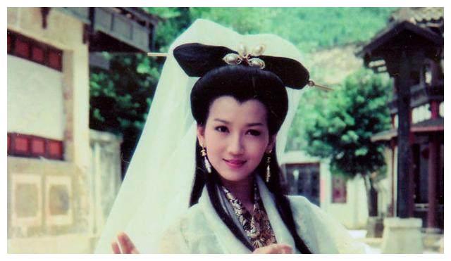 十位经典的蛇妖扮相,赵雅芝经典,王祖贤妩媚,她最妖