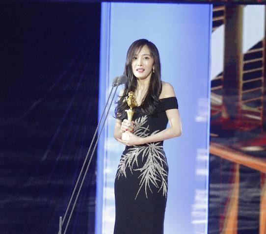 第25届大学生电影节落幕,《红海行动》获大奖,杨幂大鹏人气高