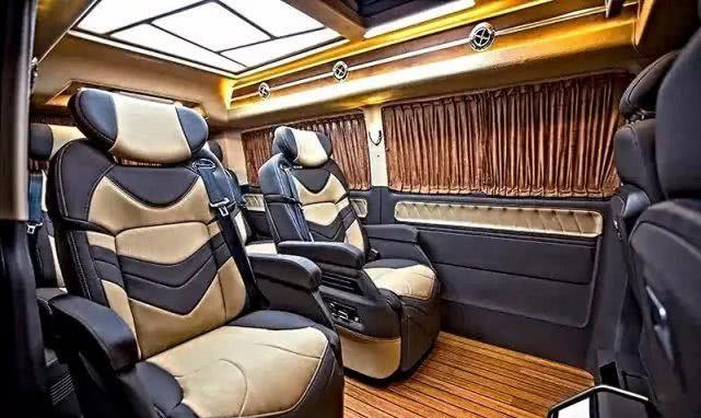 进口大众T6凯路威七座商务车,内饰豪华舒适,商务出行新标配!