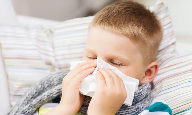 恼人的过敏性鼻炎如何克服,改善过敏性鼻炎,4种饮食疗法帮到你