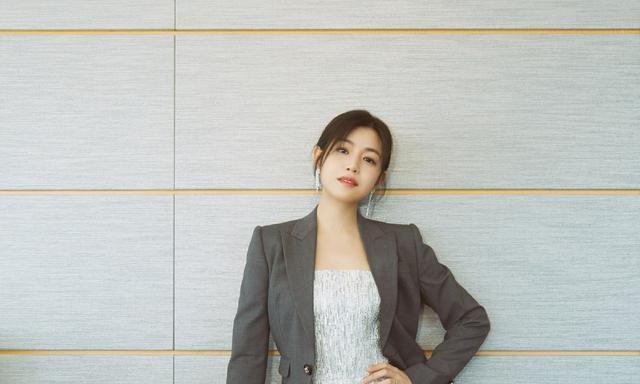 从清纯少女到时尚辣妈,陈妍希在发光,这样的女孩子谁会不爱呢?