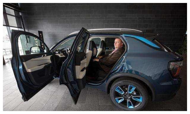 吉利领克01价格确定,配备沃尔沃的发动机,国产车老大就是它了