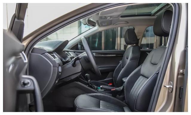 10.99万起,这台德系家用车,后备厢空间堪比B级车