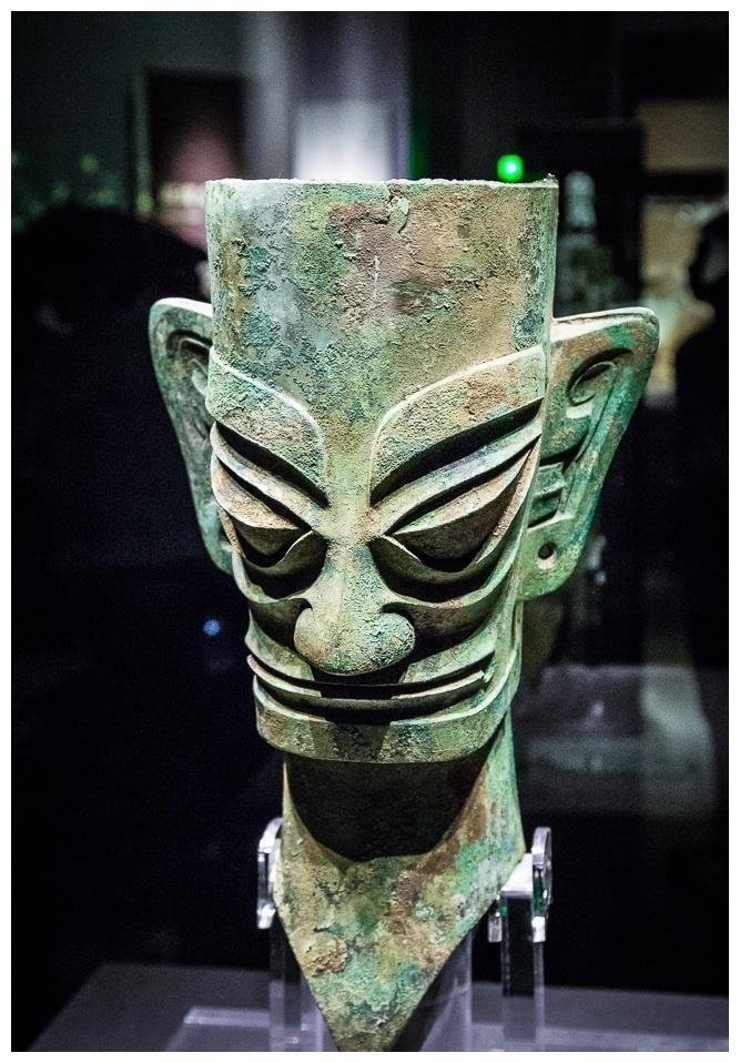 """诡异的""""外星文明""""?四川三星堆千年青铜面具,惊骇世人!"""