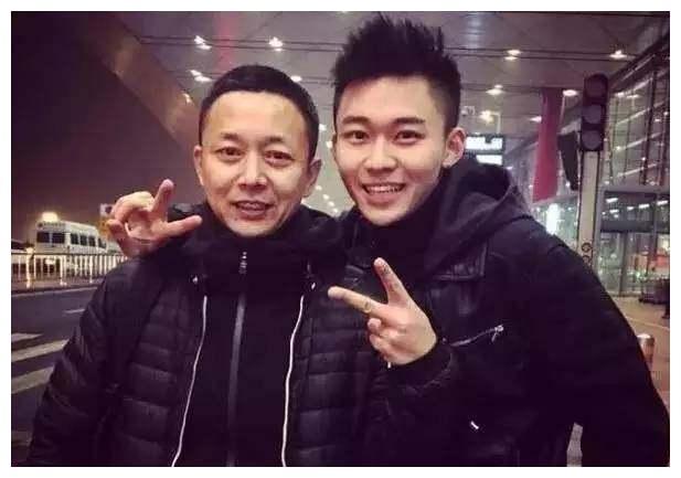 《醉玲珑》里陈伟霆的父亲刘奕君,在现实中有一个超级帅的儿子!