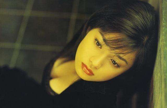 日本老牌女星深田恭子早年写真