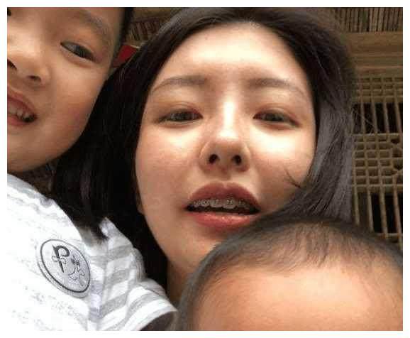 王思聪最美前女友豆得儿再晒美照 妆前妆后的差别大得惊人!