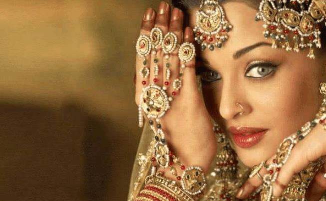 在印度旅游,为什么要远离戴鼻环的女性?导游:碰了后果很严重