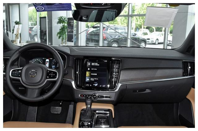 沃尔沃旗下的SUV,内饰豪华,汽车科技齐全