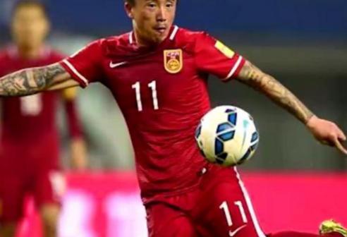 熊猫与韩国队的差距大?里皮的表情泄露了眼睛头答案国足表情包图片