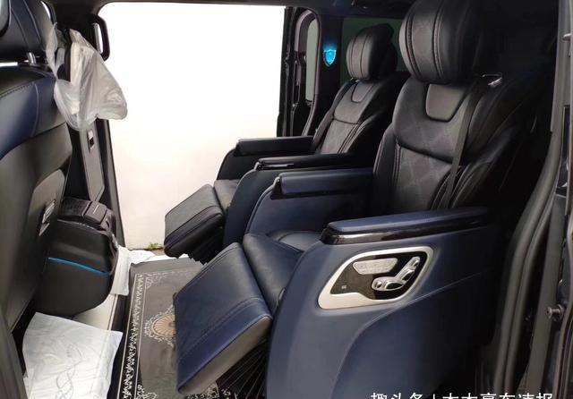 国产的奔驰威霆改装出百万级豪车范