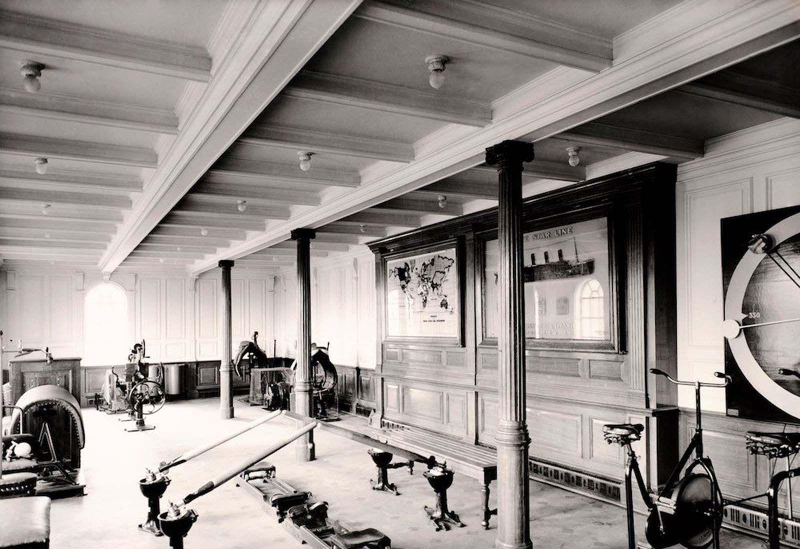 """老照片:远洋客轮上的""""豪华健身房"""",来自100年前的经典影像"""