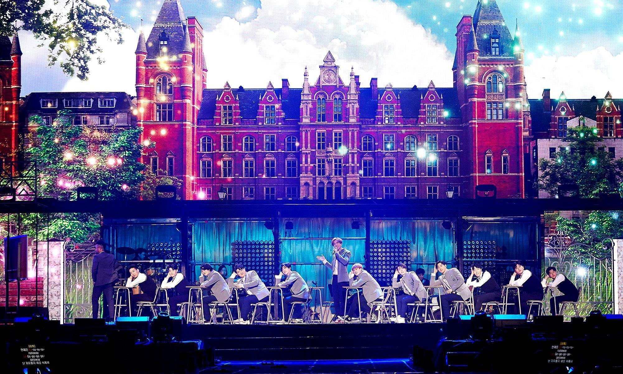 他们出道时磨难不断,更是唱着翻唱曲亮相,却成公认的顶级男团!