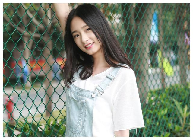 王思聪一掷千金表白最新女友,不是网红的她究竟魅力何在