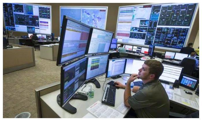 伊朗网络部队攻击美电网,纽约停电4小时,俄:干得漂亮