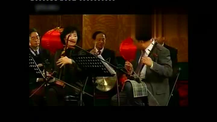 京剧孙毓敏《苏三起解》中文版和英文版老艺术家不容易外语唱京剧