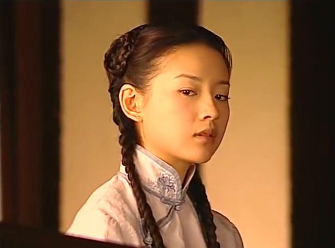 金粉世家:秀珠跟燕西打招呼,燕西直接无视她跟清秋相视而笑