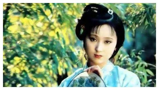 十大女星执扇造型,杨幂唐嫣刘诗诗叶璇景甜,她们谁最让人惊艳?