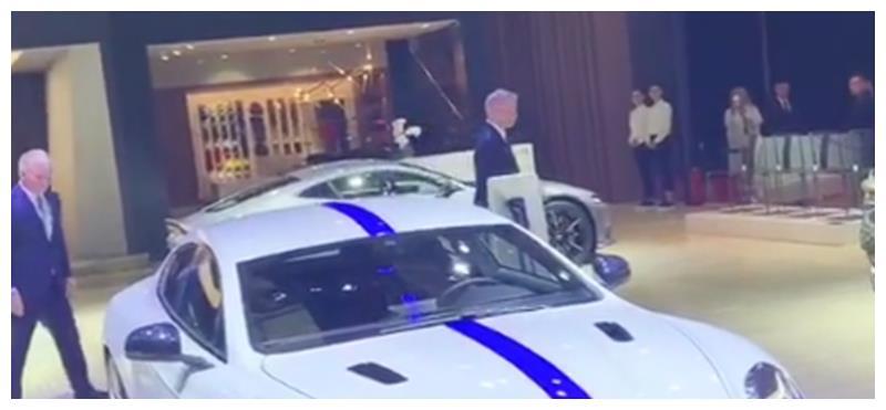 阿斯顿马丁又一款车亮相,配5600块电池,续航320,全球就155台!
