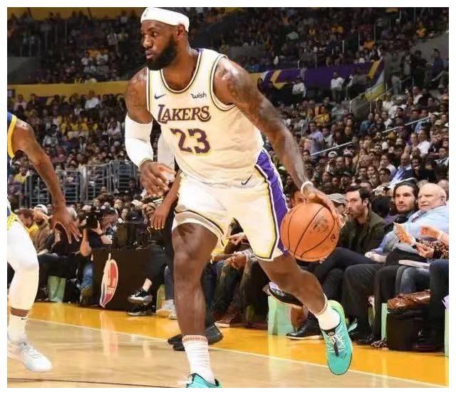 NBA季前赛综述:湖人3杀勇士,灰熊队出奇兵胜雷霆,爵士又输球