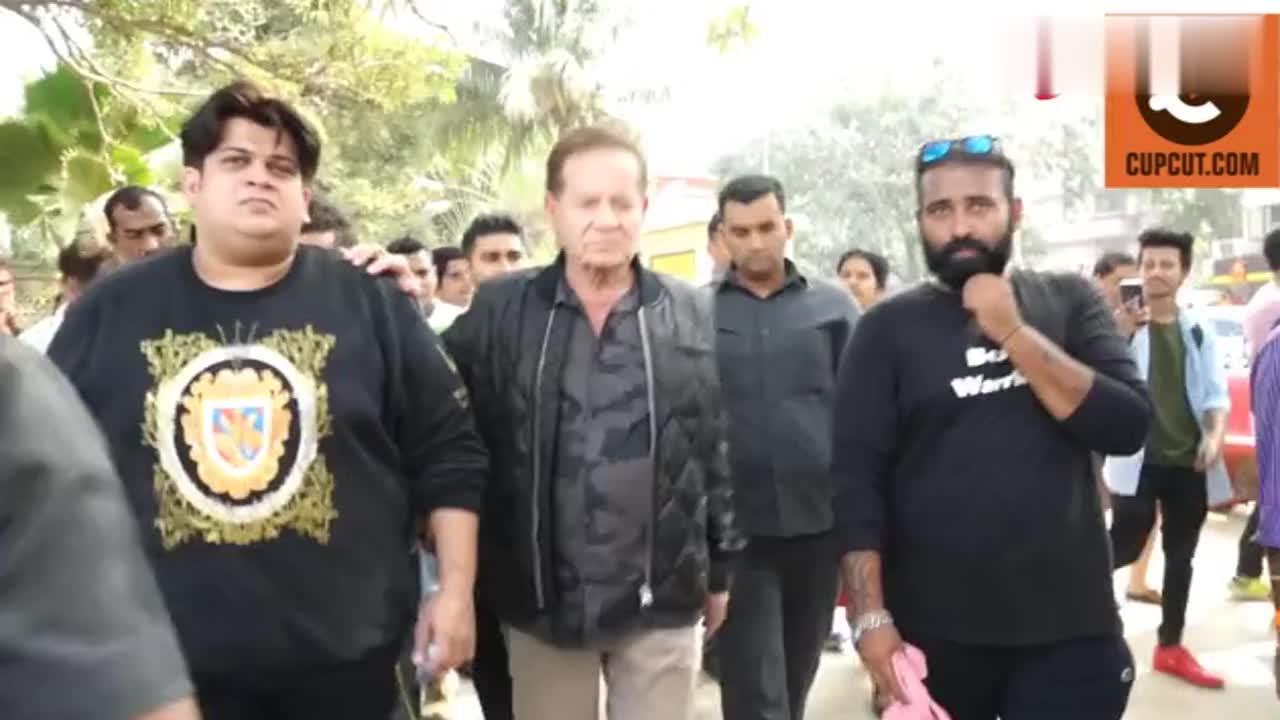 萨尔曼汗的父亲萨利姆汗支持我爱孟买和海滩勇士