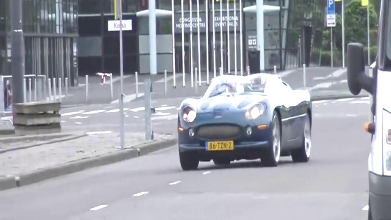土豪收藏的捷豹XK180概念车,现身超跑俱乐部!