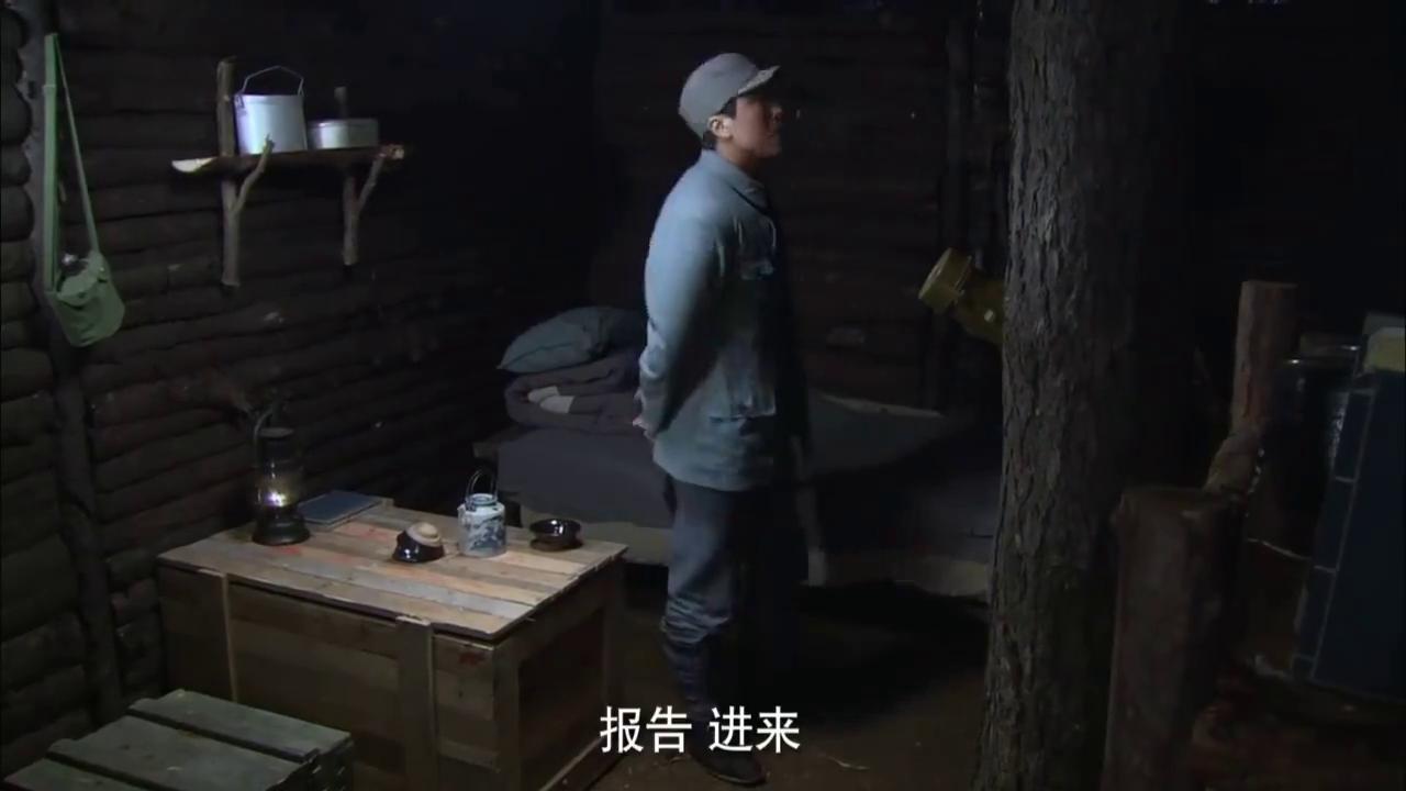 日本特工混进革命队伍,怎料被同乡女兵发现端倪,立马向长官举报