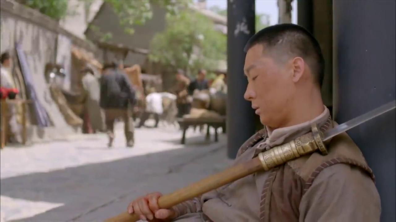 大刀记:一代武林高手落魄,遭地皮无赖欺负,竟拿刀吓唬娘们!