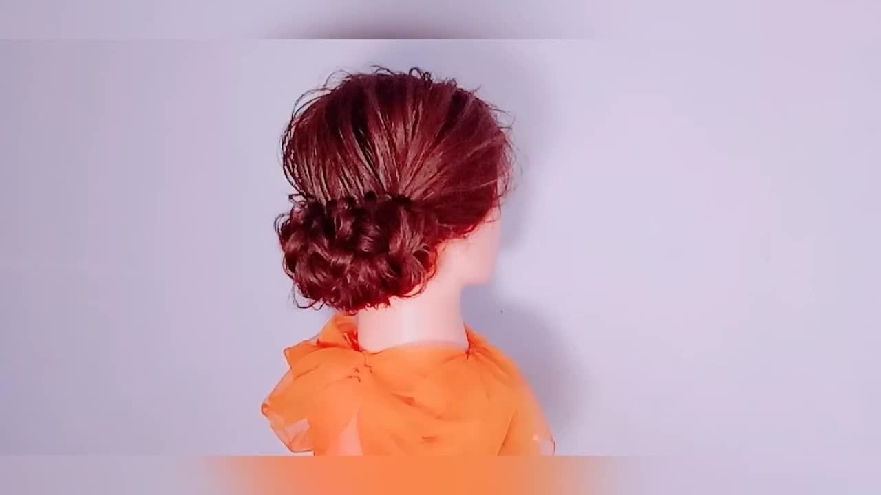 一款适合妈妈的发型,好看又减龄