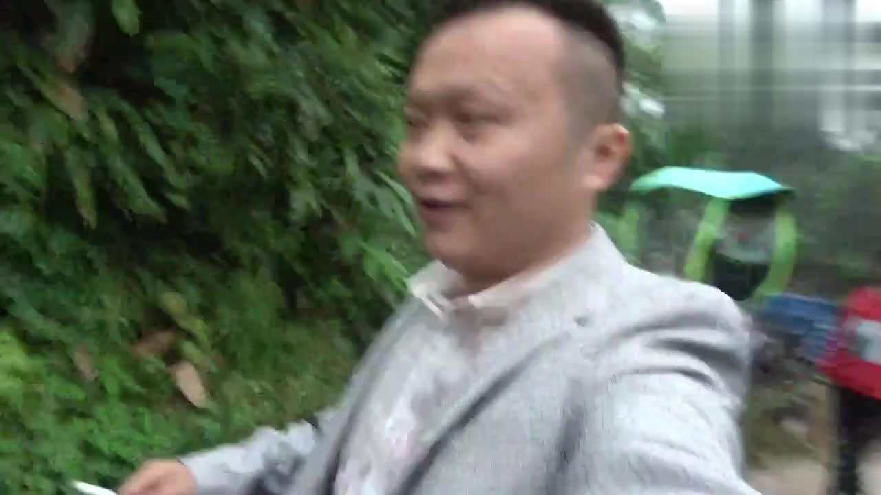 小文今天结束7年的爱情长跑小文求婚说啥伴娘也跟着流下眼泪