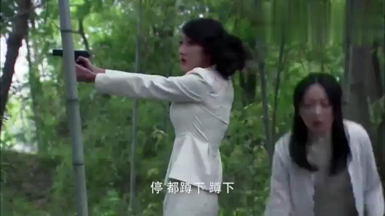 哪料女孩暴露绝技枪法,鬼子竹林围剿小孩,杀光特务好看