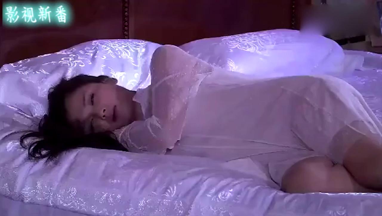 刘涛穿真丝睡裙对李晨又搂又抱,大黑牛竟不为所动!