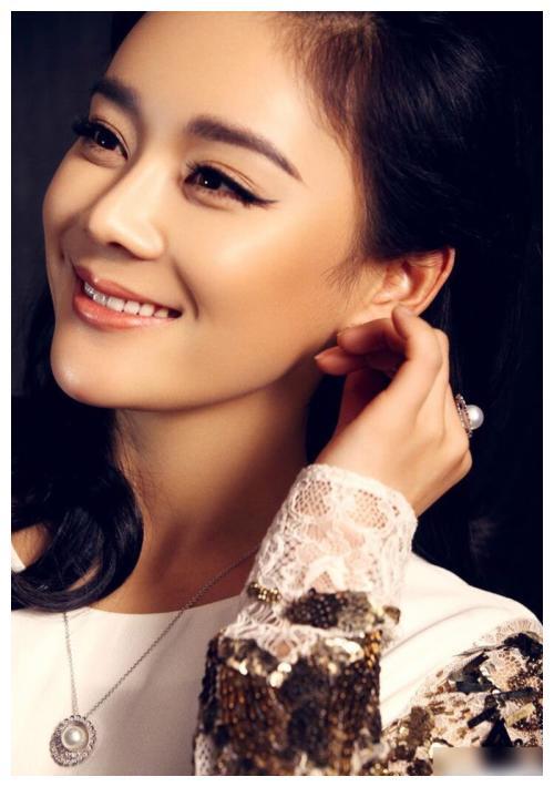 袁姗姗成为嘉宾,钱枫妈妈非常热情,表示看到她心跳加速!