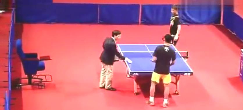 张继科用羽毛球拍,和林丹打乒乓球,前方高能!