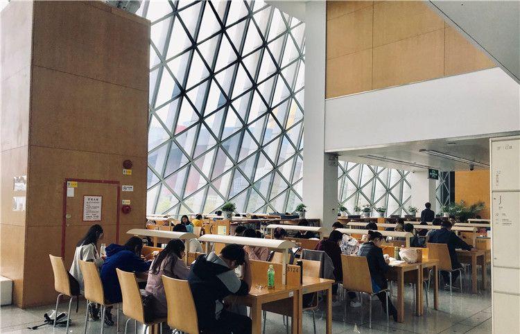 深圳图书馆:颜值这么高的图书馆,难怪每天会有这么多人入馆看书